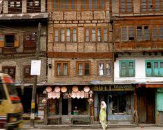 Wander the streets and alleys of Pir Kahal (Old Town), Srinagar, Kashmir. #travel #bucketlist