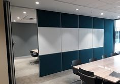 Aluglass Bautech designed, supplied and installed Variflex® mobile acoustic partitions at Tshwane House.