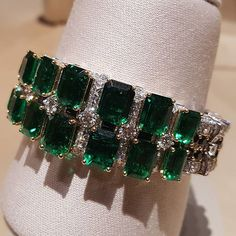 My final post on the most stunning pieces admired at Van Cleef & Arpels'…