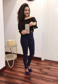 Her smile 😍 Indian Bollywood, Bollywood Stars, Bollywood Actress, Neha Kakkar Dresses, Punjabi Models, Famous Singers, Indian Beauty Saree, Female Singers, Celebs