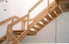 Gallo y Manca, Escaleras, Modelo Tradicional