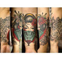 #geisha #skull #roses #foldingfan #tattoo #ink #girl #tattooedgirls #underelbow #japan #japanesetattoo #hiroshima #hiroshimatattoo #wmt #wildmonkeytattoo #芸者 #スカル #扇子 #バラ #ひじ下 #ぐるっと #タトゥー #刺青 #広島 #広島タトゥー