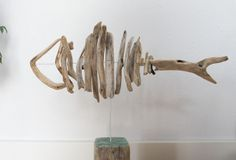Fish made out of driftwood Doo it - just doo it: strandingstræ