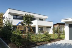 #Einfamilienhaus #Flachdach #Überdachte Terrasse #Massivbau # modern # design# moderne architektur# PUR