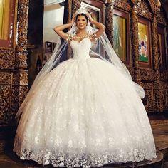 #gelin #gelinlik #gelinlikmodelleri #gelinlikler #düğün #gelinfotografi #duvak #duvakmodelleri #dantel #prenses #prensesgelinlik #queen #gelinbaşı #gelinsaçı #gelintacı #strapless #wedding #bride #bridal #braut #brautkleid #kraliçe #bridetobe #iyigeceler #aşk #loveit #dream #gelinolmak #evlilik #hayaller