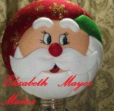 Que hermosos trabajos en patchwork   Foro - Fantasias Miguel Felt Christmas Decorations, Christmas Balls, Christmas Holidays, Quilted Ornaments, Xmas Ornaments, Decor Crafts, Diy And Crafts, Holiday Crafts, Holiday Decor