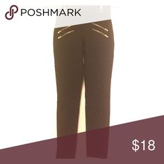 Thick black leggings w/ gold zippers Very nice leggings. They're thick material & they look good on. They have two gold zippers on each hip. Ci Sono Pants Leggings
