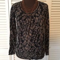 Elie Tahari beautiful top Great neck line.  Awesome colors.  Like new condition small petite Elie Tahari Tops Tunics