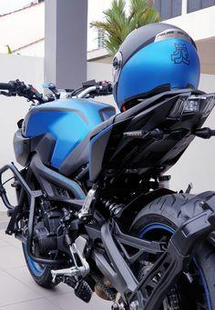 Yamaha Fz 09, Yamaha Motorcycles, Cars And Motorcycles, Cb 1000, Bike Photoshoot, Motorcycle Design, Super Bikes, Cool Bikes, Stunts