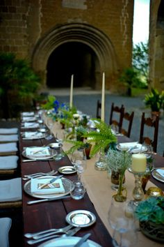 Umbrian wedding in the ruins of a chapel in Orvieto