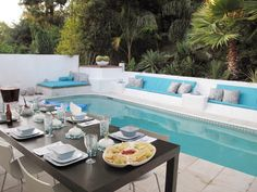 This long, narrow pool, from The Outdoor Room with Jamie Durie, is ideal for entertaining guests.