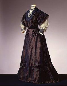 Day dress ca. 1905 From the Galleria del Costume di Palazzo Pitti...