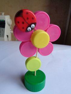 spring crafts Source by Kerlutabsc Preschool Crafts, Easy Crafts, Diy And Crafts, Crafts For Kids, Arts And Crafts, Paper Crafts, Craft Kids, Bottle Top Crafts, Plastic Bottle Caps