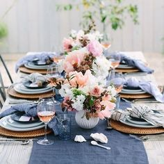 Loving this stunning al fresco dinner party by @100_layercake for @crateandbarrel.
