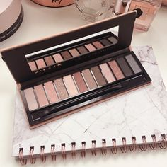 Looking for a neutral eye makeup palette? Try GWA's Natural Eyeshadow Palette. 12 ultra pigmented eyeshadows. Picture by reyofactualsunlight #gwalondon