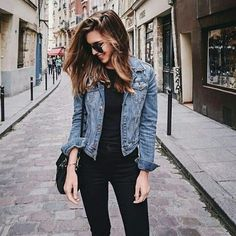 """485 Likes, 3 Comments - CAREER GIRL DAILY (@careergirldaily) on Instagram: """"Why wouldn't you need a denim jacket?  ✨✨✨Shop the edit on our website. ( : 6 ways to style your…"""""""