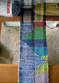 clasped weft technique by Noreen Crone-Findlay - from Weavezine