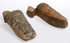 Slippers which belonged to Charles II, circa Vintage Shoes, Vintage Outfits, Vintage Fashion, Historical Costume, Historical Clothing, 17th Century Fashion, 18th Century, Glasgow Museum, Antique Clothing