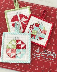 holiday text Of all my Vintage Holiday sewing, these little ornaments for my mini pattern were definitely the most fun. What is it about tiny quilt blocks Quilted Christmas Gifts, Quilted Christmas Ornaments, Christmas Blocks, Christmas Quilt Patterns, Fabric Ornaments, Christmas Crafts, Xmas, Modern Christmas, Scandinavian Christmas