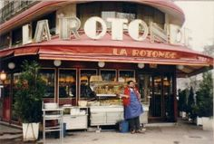 Le Rotonde and its Art Deco interior has seen patrons like F. Scott Fitzgerald, Matisse, T.S. Eliot, Sartre, Gertrude Stein and Alice B. Toklas and others, who sought out the Montparnasse bar during a time when the neighborhood was known for its Bohemian vibe.
