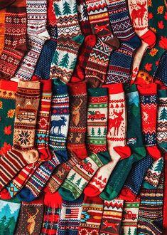 Christmas Feeling, Noel Christmas, Winter Christmas, Christmas Stockings, Christmas Crafts, Xmas, Christmas Fireplace, Cozy Christmas Outfit, Christmas Clothes