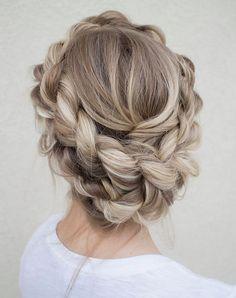 Couronne tressée, très tendance comme coiffure de mariage