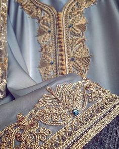 Caftan Moroccan Bride, Moroccan Caftan, Kaftan Abaya, Caftan Dress, Crazy Quilting, Gold Embroidery, Embroidery Designs, Arabic Dress, Arab Fashion