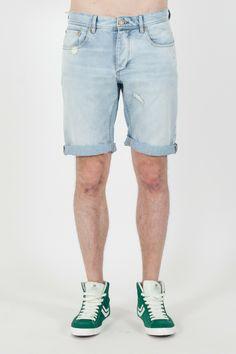 #Bermuda da #uomo J#ack&Jones Vintage #Clothing.  - Jeans di cotone - Strappato con risvolto - Lavaggio chiaro - Regular Fit - 100% Cotone