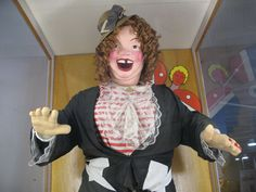 """""""You'll know her by the trail of sobbing children."""" :-D     The Story of Laffing Sal, the World's Most Uncanny Animatronic Doll   Atlas Obscura"""