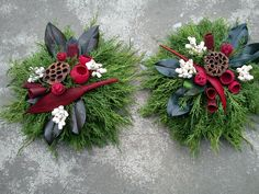 Fotogalerie » Dušičková vazba Nové [2/49] Christmas Planters, Christmas Wreaths, Christmas Decorations, Holiday Decor, Christmas Floral Arrangements, Flower Arrangements, Funeral Flowers, Wedding Flowers, Cemetery Decorations