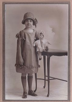 Girl with cloche by katinthecupboard, via Flickr
