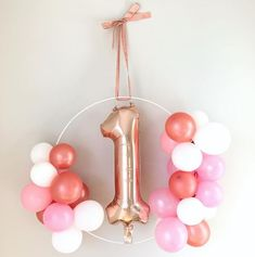 Excellent No Cost first Birthday Balloons Thoughts Birthdays are generally big situations within homes along with you should choose designs and accents First Birthday Balloons, Birthday Balloon Decorations, First Birthday Parties, Birthday Celebration, First Birthdays, Decoration Buffet, Decoration Photo, Balloon Wreath, Balloon Arch