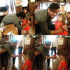 Sweetest Çağatay Ulusoy with a Cutest lil fan #tb #cagatayulusoy ❤️