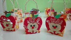 Christmas Ornaments, Halloween, Holiday Decor, Inspiration, Inspired, Farmhouse Nursery Decor, Sint Maarten, Crafts, Bees