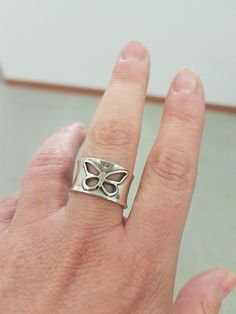 silver 925 butterfly band ring, silver women #jewelry #ring @EtsyMktgTool #butterflyring #butterflyjewelry #daintyring #everydaysilverring Womens Jewelry Rings, Silver Jewelry, Jewelry Accessories, Silver Rings, Unique Jewelry, Women Jewelry, Hands With Rings, Butterfly Jewelry, Wide Rings