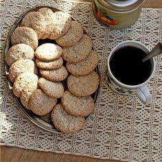 Livit - Rețete culinare | Retete rapide, simple si gustoase, pentru tine Macarons, Cookies, Desserts, Food, Crack Crackers, Tailgate Desserts, Deserts, Biscuits, Essen