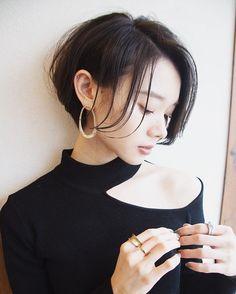 Girl Short Hair, Short Hair Cuts, Shot Hair Styles, Hair Arrange, Hair Designs, Hair Lengths, Hair Goals, Asian Beauty, Girl Fashion