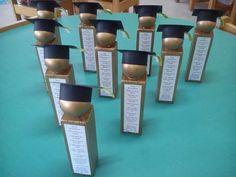 Oscar Graduation Crafts, Graduation Party Planning, Graduation Celebration, Graduation Party Decor, Diy Trophy, Diy Backdrop, Kindergarten Crafts, Kids Learning Activities, Party Favor Bags