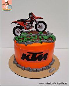 Motorcross Cake, Motocross Ktm, Motorcycle Cake, Bike Birthday Parties, Dirt Bike Birthday, Birthday Cake Girls, Dirt Bike Cakes, Girl Cakes, Cake Designs