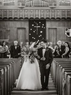 Bride and Groom recessional ;Photography by Joel & Justyna Bedford