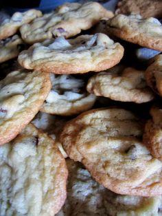 Chocolate Chip Cookies www.awanderingwallflower.blogspot.com