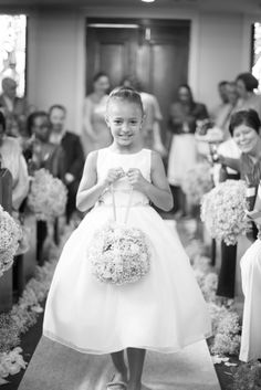 Island Wedding in Nassau Bahamas, flower girl, with a photographer that traveled from Oklahoma, Tulsashots.com, Ryan Clarke