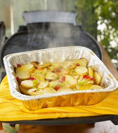 Cookout Potatoes - I made them in the oven, 350 for 45 mins. Yum! Grilled Potato Recipes, Easy Potato Recipes, Grilling Recipes, Cooking Recipes, Smoker Recipes, Barbecue Recipes, Steak Recipes, Cookout Food, Camping Meals