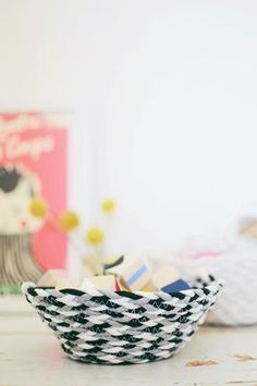 DIY: braided rope basket