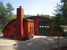 quonset hut styled roof for a personal airplane hangar in Minnesota Quonset Hut Homes, Prefab Homes, Cabin Homes, Log Homes, Hut House, Tiny House, Building Design, Building A House, Building Homes