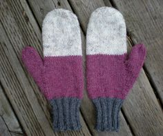 womens classic hand knitted mittens // color by theprairiesparrow