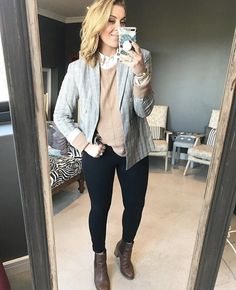 Post Pregnancy Clothes, Pre Pregnancy, Pregnancy Outfits, Collar Shirts, Blonde Hair, Curly Hair Styles, Personal Style, Black Jeans, Blush