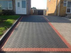 A modern driveway style can improve the curb appeal of your house. Some of the most popular types of modern driveway products in usage for high-end houses Driveway Tiles, Block Paving Driveway, Modern Driveway, Brick Driveway, Driveway Design, Paver Walkway, Paver Designs, Paving Design, Paving Ideas