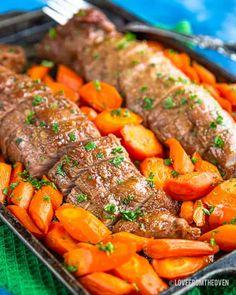 Maple Brown Sugar Pork Tenderloin Pork Tenderloin Side Dishes, Pork Tenderloin Recipe Brown Sugar, Easy Pork Tenderloin Recipes, Pork Tenderloin Oven, Pork Dishes, Pork Recipes, Pork Chops, Pork Roast, Filet Mignon