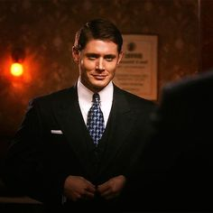 Dean Winchester in the Time After Time episode of Supernatural where he goes back to the 1940s. SWOON.